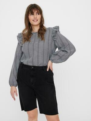 Fedeste bluse med flæsedetalje fra Vero Moda Curve