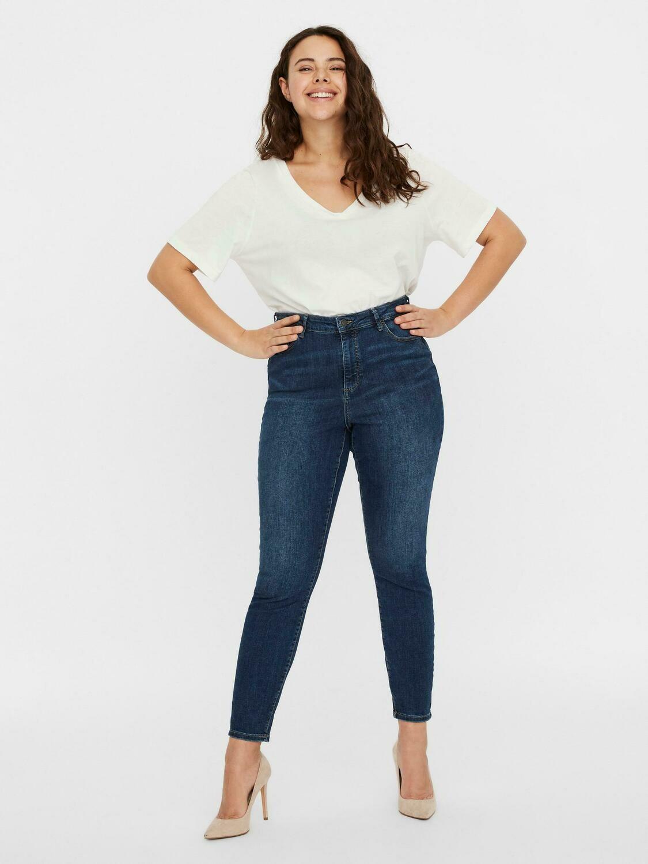 Lækre Jeans fra Vero Moda Curve.