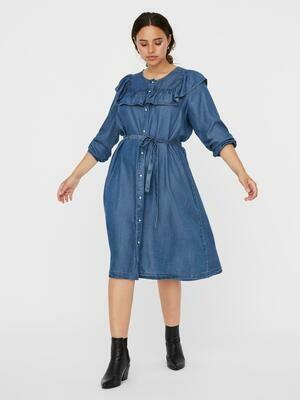 Denim kjole fra Vero Moda Curve!