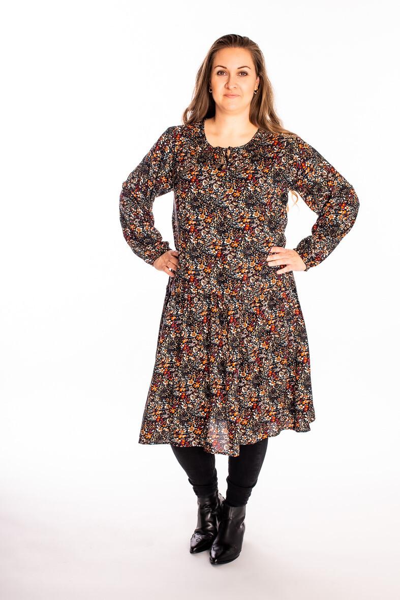 Smuk langærmet kjole fra Cassiopeia