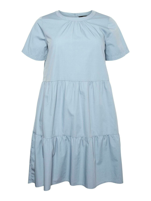 Sødeste kjole med peplum bund fra Vero Moda Curve