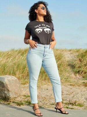 Fedest T-shirt fra Carmakoma
