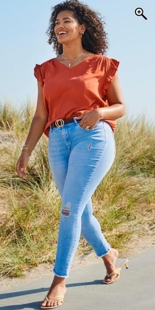 Cool jeans med slidt look fra Carmakoma