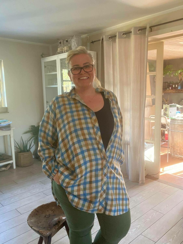 Ternet tunika/skjorte fra Cassiopeia