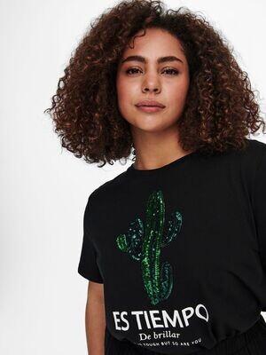 Cool t-shirt med pailetter fra Carmakoma.