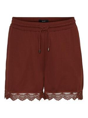 Blonde-shorts fra Vero Moda Curve