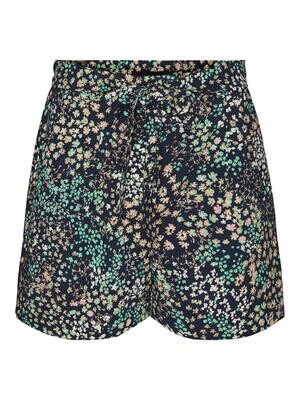 Fine shorts fra Vero Moda Curve