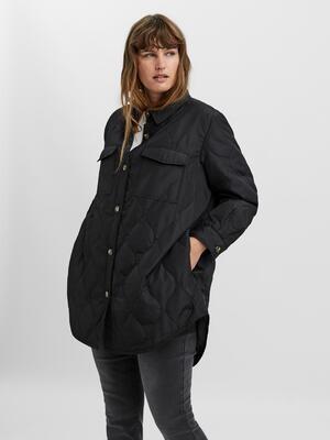 Quiltet jakke fra Vero Moda Curve