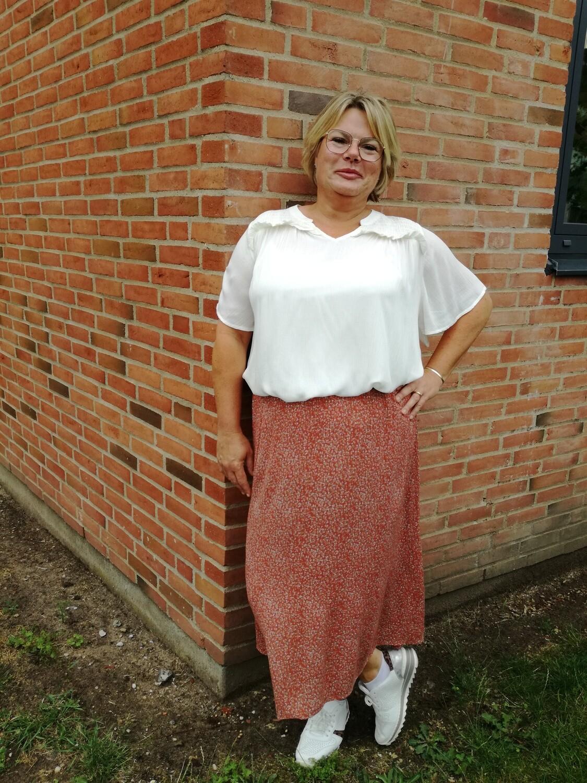 Mønstret nederdel i viskose fra Cassiopeia