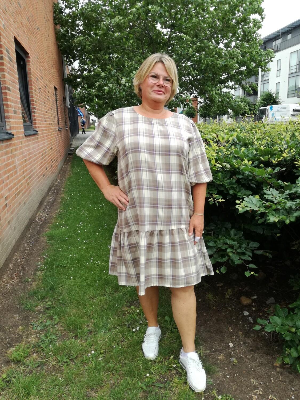 Smart ternet kjole fra Cassiopeia