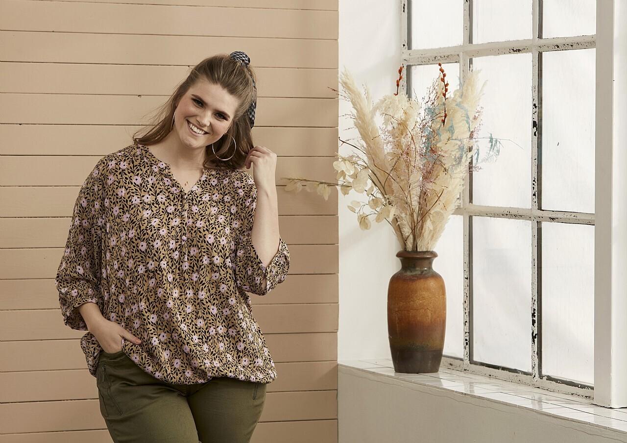 Viscose-bluse fra Zhenzi