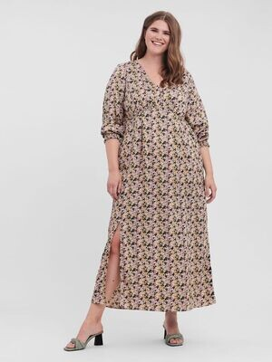 Sød lang kjole fra Vero Moda Curve