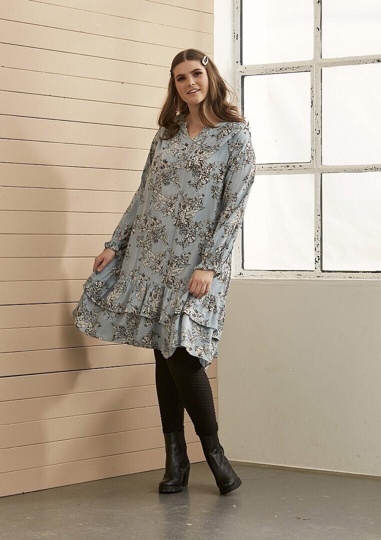 Sød kjole med blomsterprint fra Zhenzi