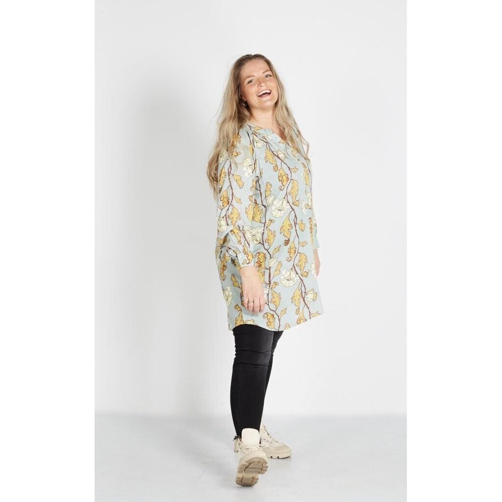 Flot tunika med bladmønster fra Zoey