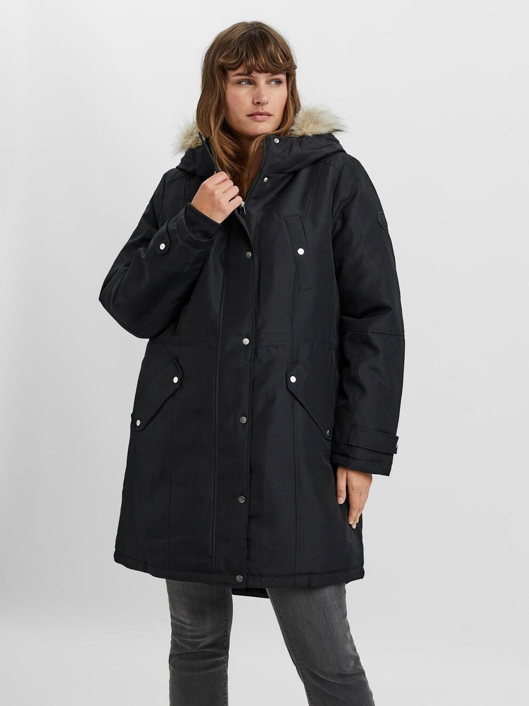 Fedeste jakke med hætte fra Vero Moda Curve