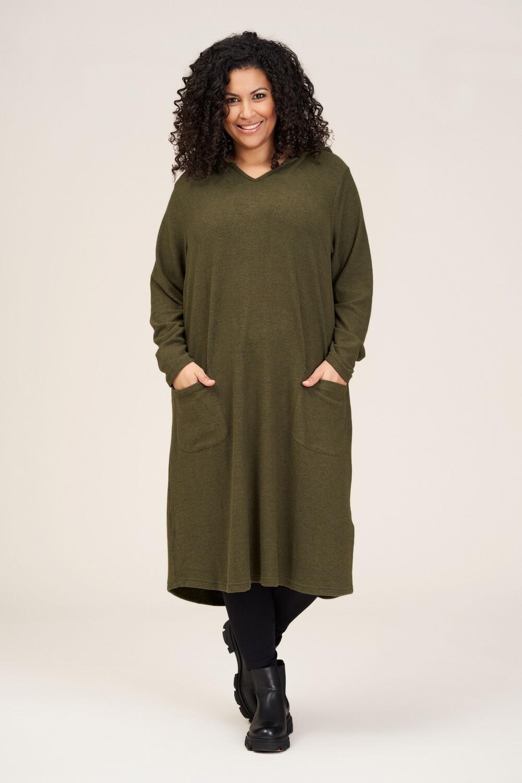 Behagelig løstsiddende kjole fra Studio