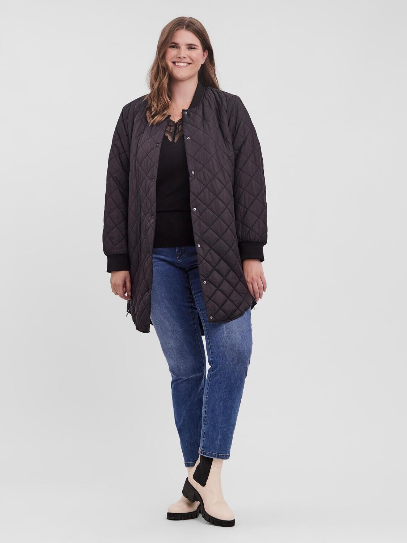 Sort quiltet jakke fra Vero Moda Curve