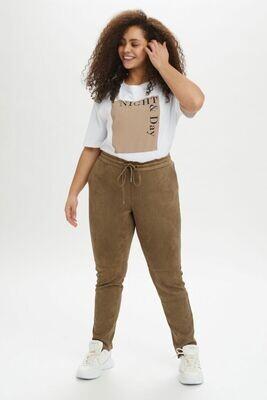 Bløde og smarte bukser fra Kaffe Curve