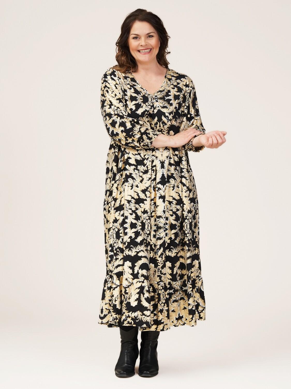 Utrolig smuk kjole med guldmønster fra Gozzip