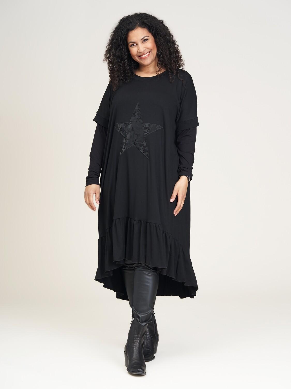 Enkel og elegant kjole fra Studio