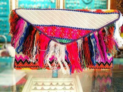 Bolso de mano tricolor