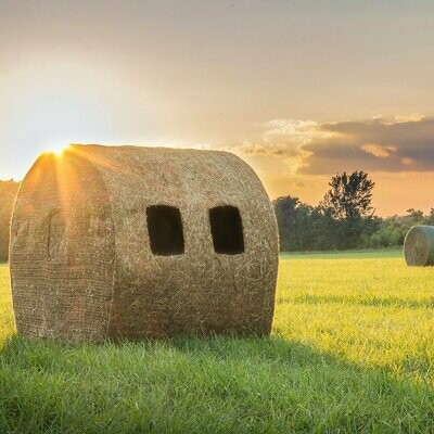 Redneck Blinds Outfitter HD Bale Blind (Special Order Available)