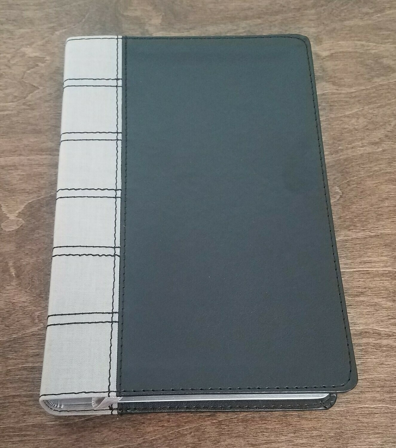 NKJV Deluxe Large Print Personal Size Thumb Indexed Reference Bible - Black/Gray LeatherTouch