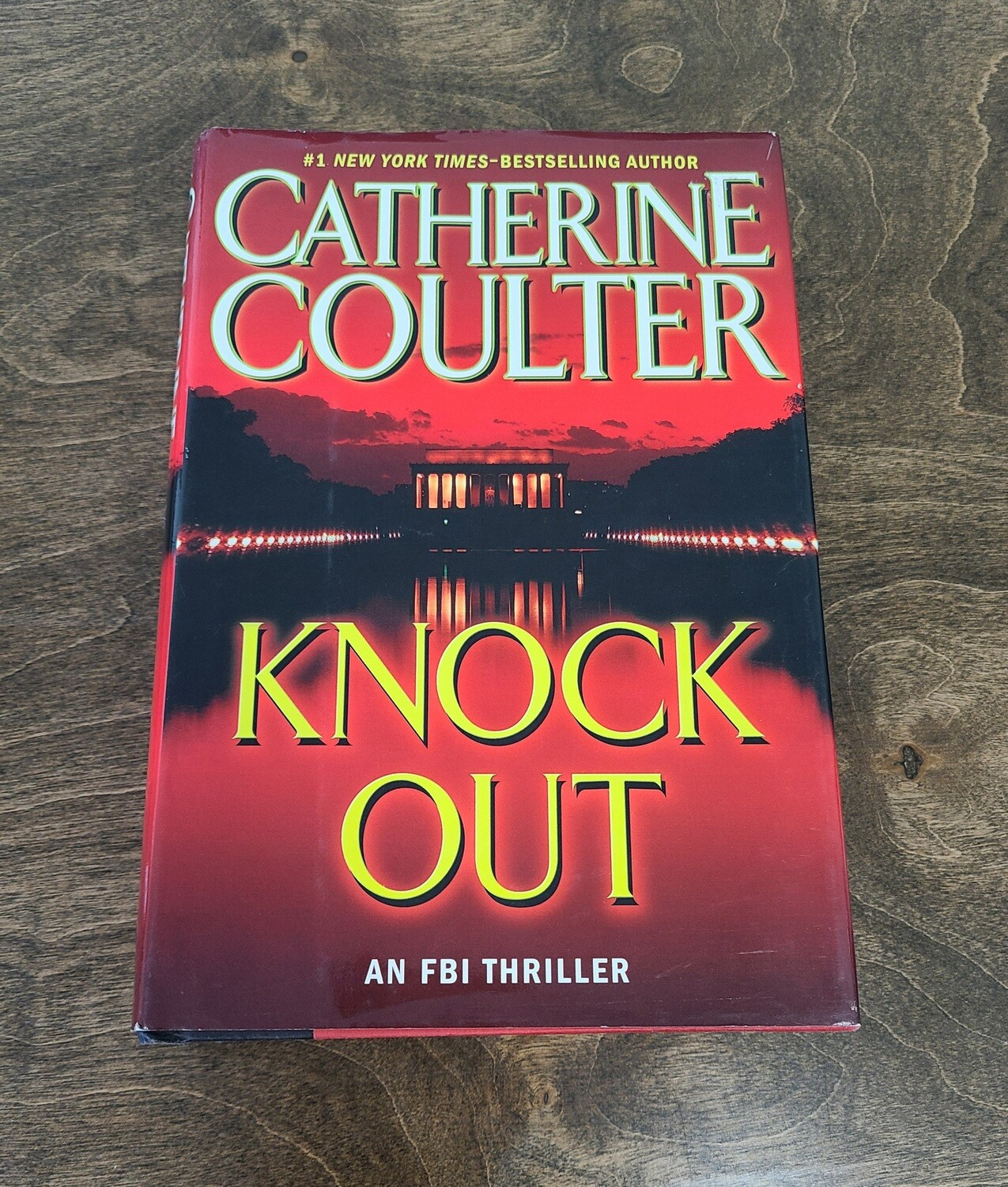 Knock Out by Catherine Coulter - Hardback