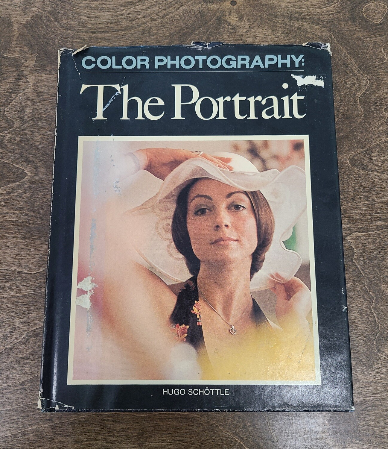 Color Photography: The Portrait by Hugo Schottle