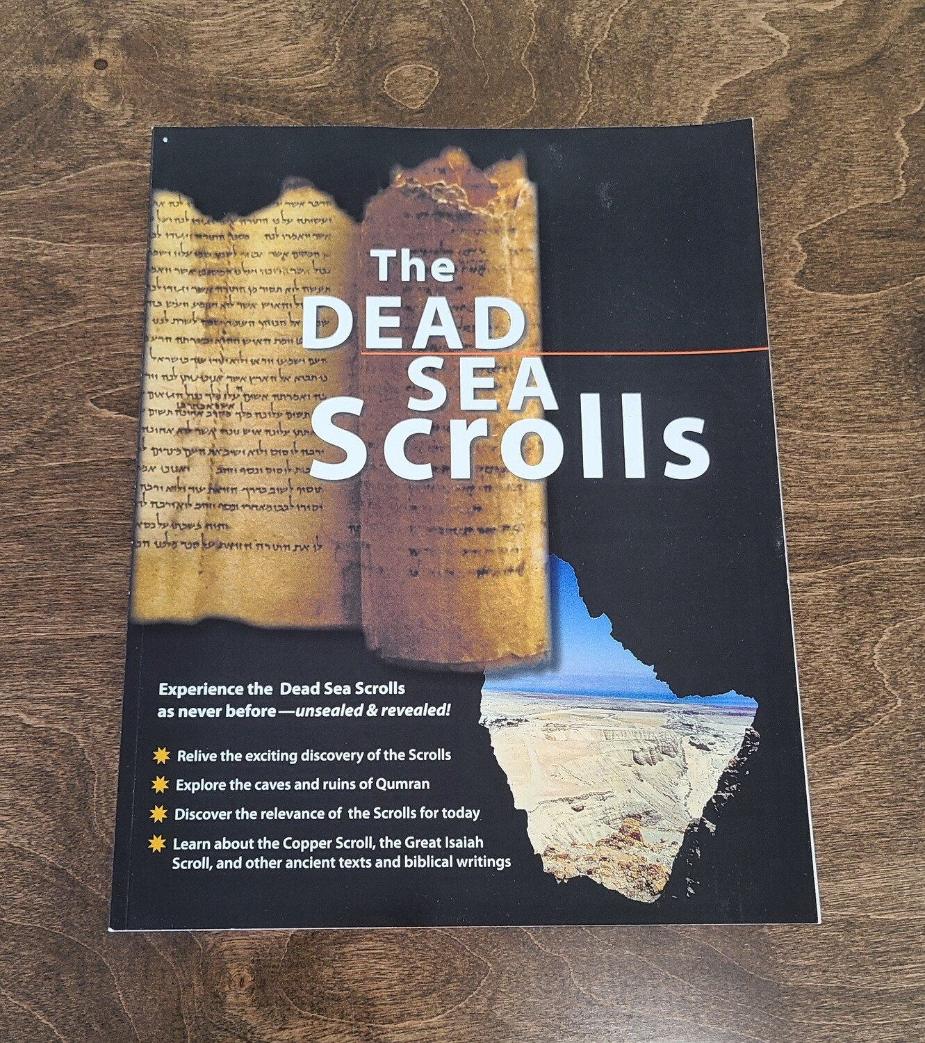 The Dead Sea Scrolls by Biblical Archaeology Society and Society of Biblical Literature