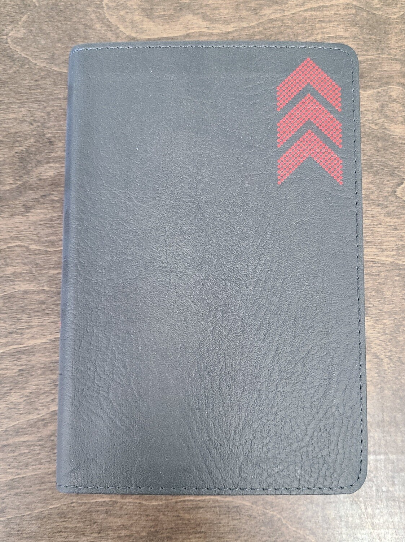 KJV On-The-Go Bible: Charcoal Arrow LeatherTouch