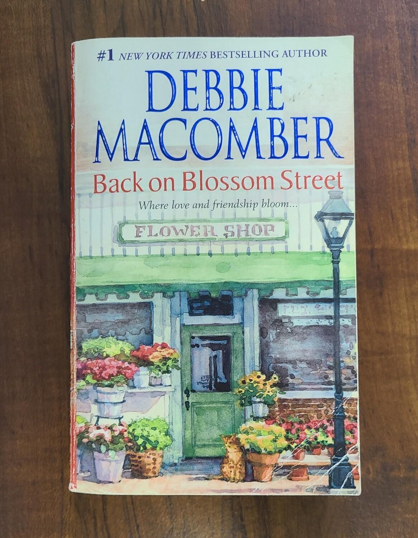 Back on Blossom Street by Debbie Macomber - Paperback