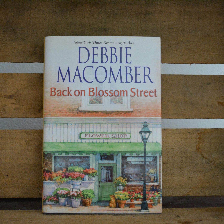 Back on Blossom Street by Debbie Macomber - Hardback