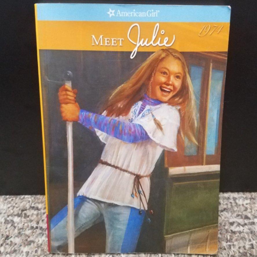 Meet Julie by Megan McDonald