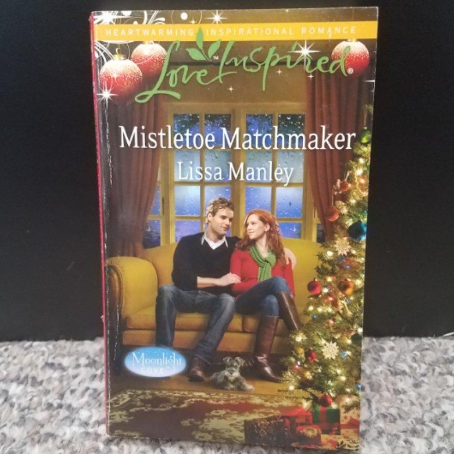 Mistletoe Matchmaker by Lissa Manley