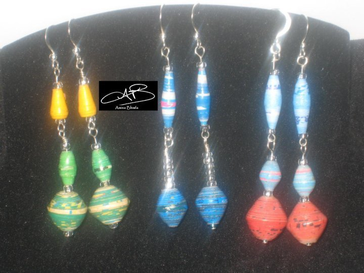 3 PAPER BEAD EARRINGS/ 3 BOUCLES D'OREILLES DE PERLES EN PAPIER
