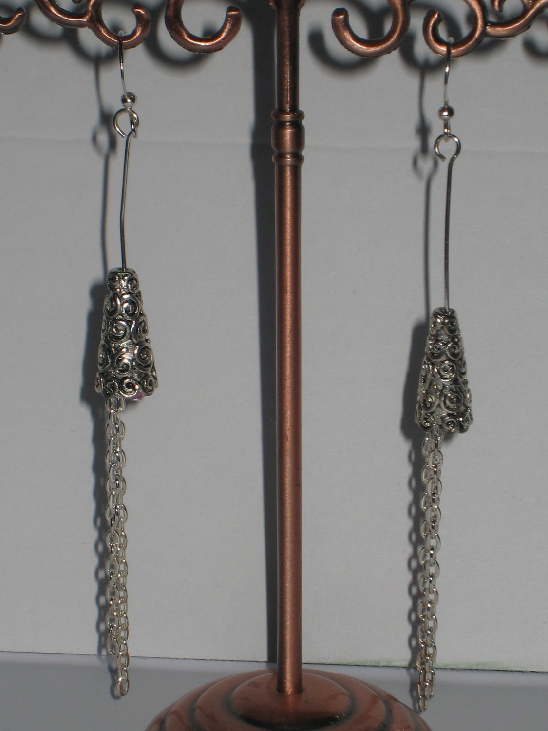 HANGING AROUND EARRINGS/ BOUCLES D'OREILLE ACROCHE PARTOUT