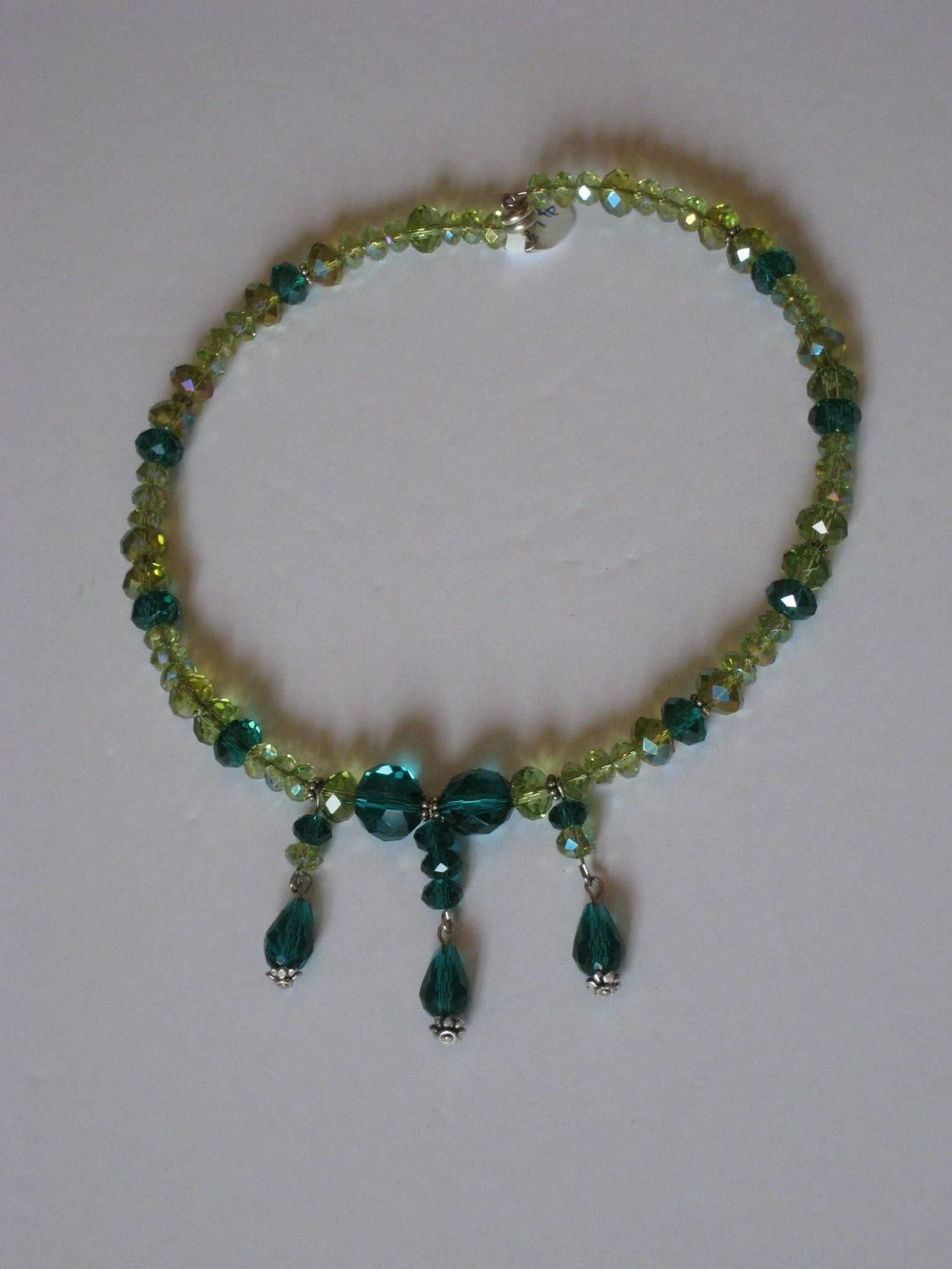 Green with envy choker/ Collier Vert de Jalousie