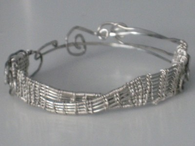 Musical by wire bracelet