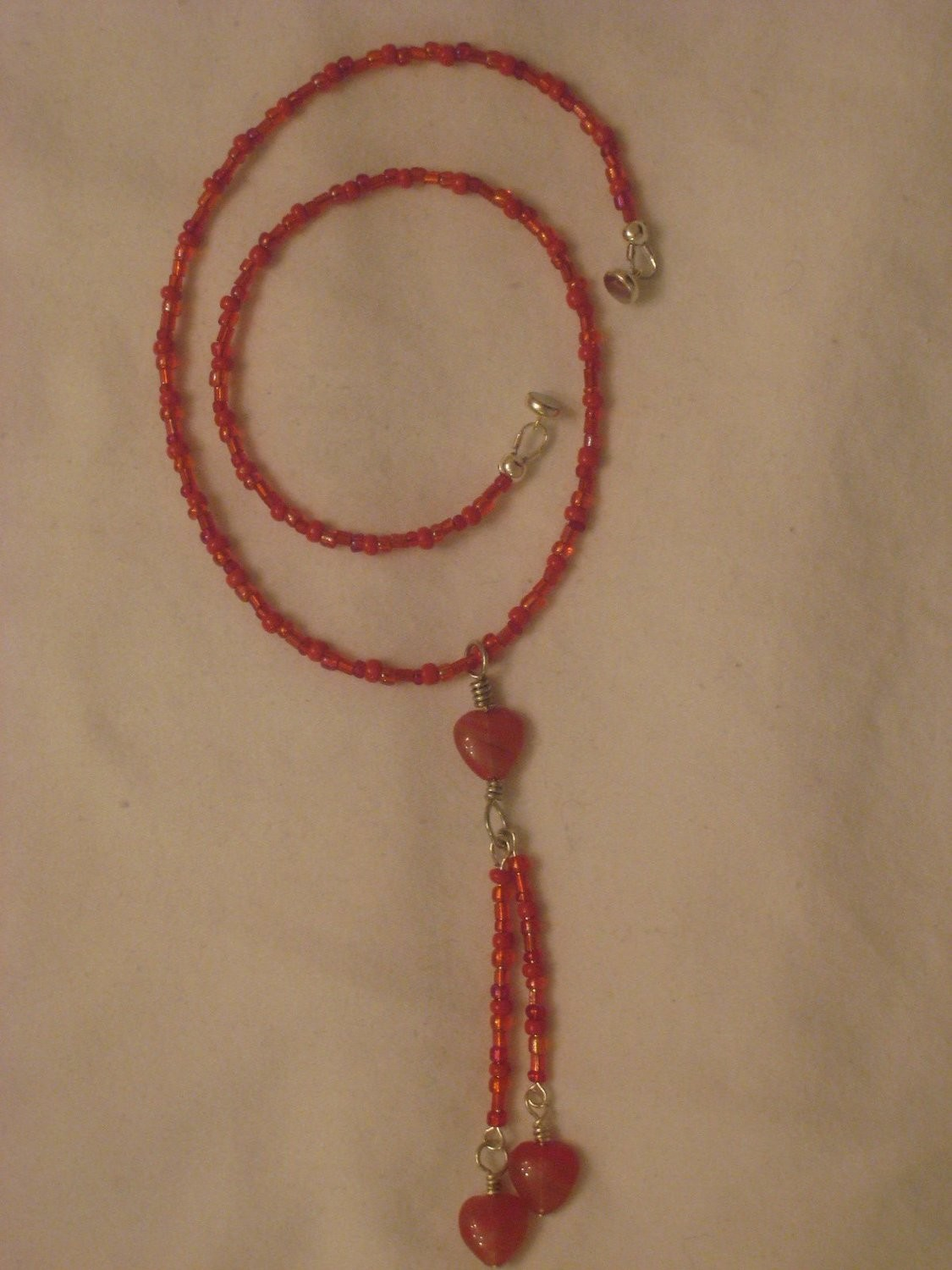 RED LOVE NECKLACE/ COLLIER AMOUR ROUGE