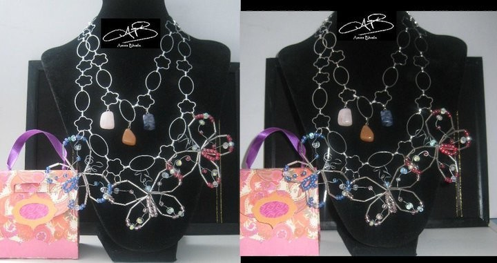FLUTTERS NECKLACE/ COLLIER BATTEMENTS
