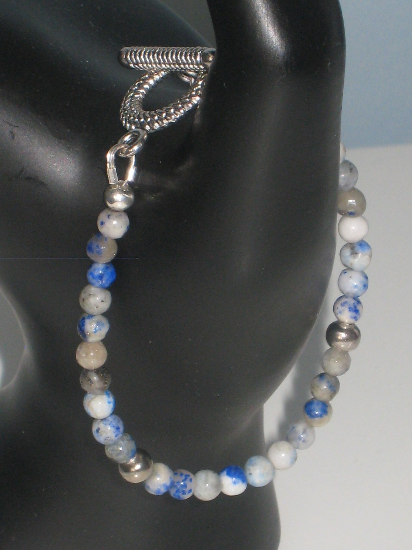 Blue Spotted Bracelet/ Bleu Tacheté