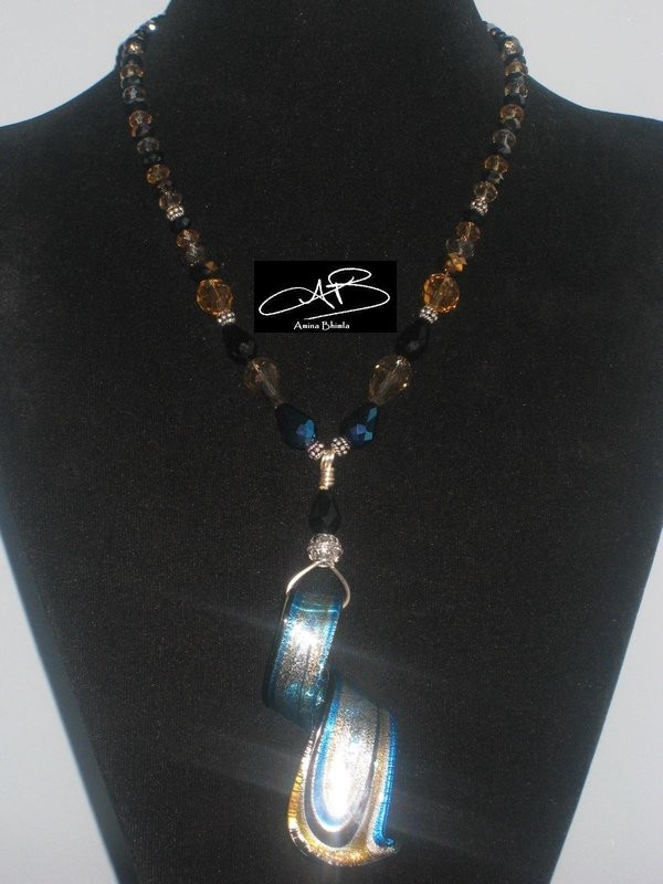 BLUE TOFFEE NECKLACE/ COLLIER CARAMEL BLEU