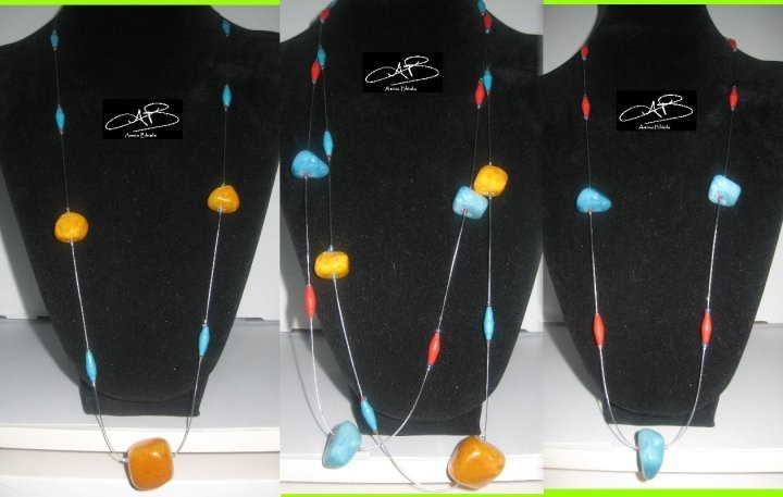 2 ORANGE-TURQUOISE STONE AND PAPER NECKLACES/ 2 COLLIERS DES PIERRES ORANGE-TURQUOISE ET PAPIER