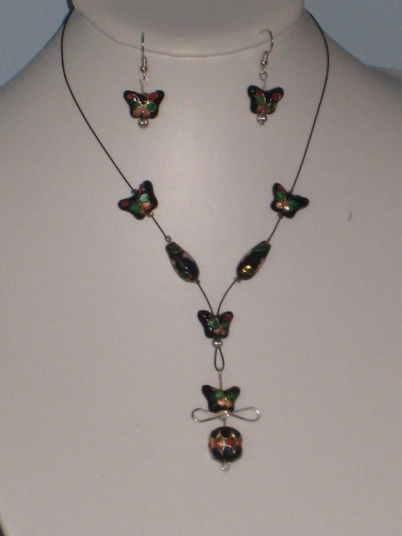 Black Cloisonné Necklace Set/ Parures de Collier Noir Cloisonné