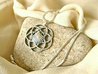 Flor del Camino de Santiago jewelry necklace