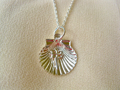 Scallop shell with St James cross necklace ~ silver
