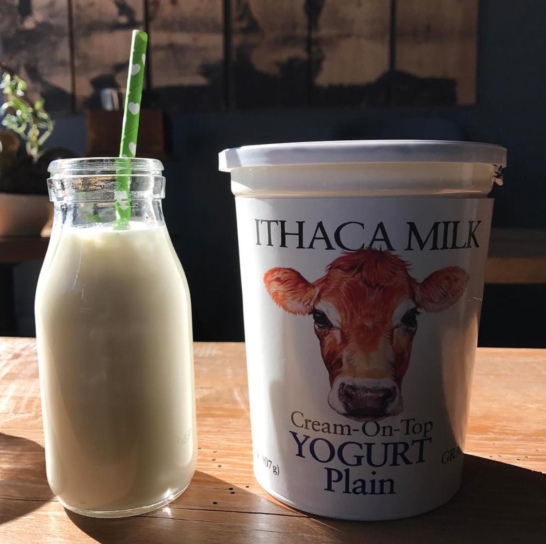 ITHACA MILK Black Cherry🍒 Yogurt 32 oz