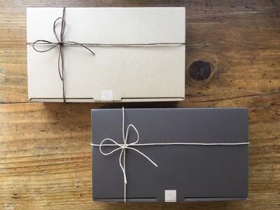 Gift Box & Putti Gift