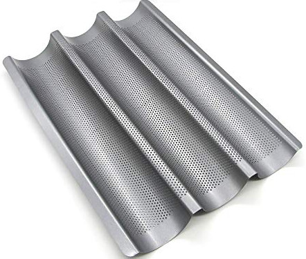 Baguette perforated tray
